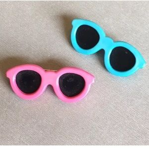 2 Vtg Plastic Pink & Blue Sunglasses Pins